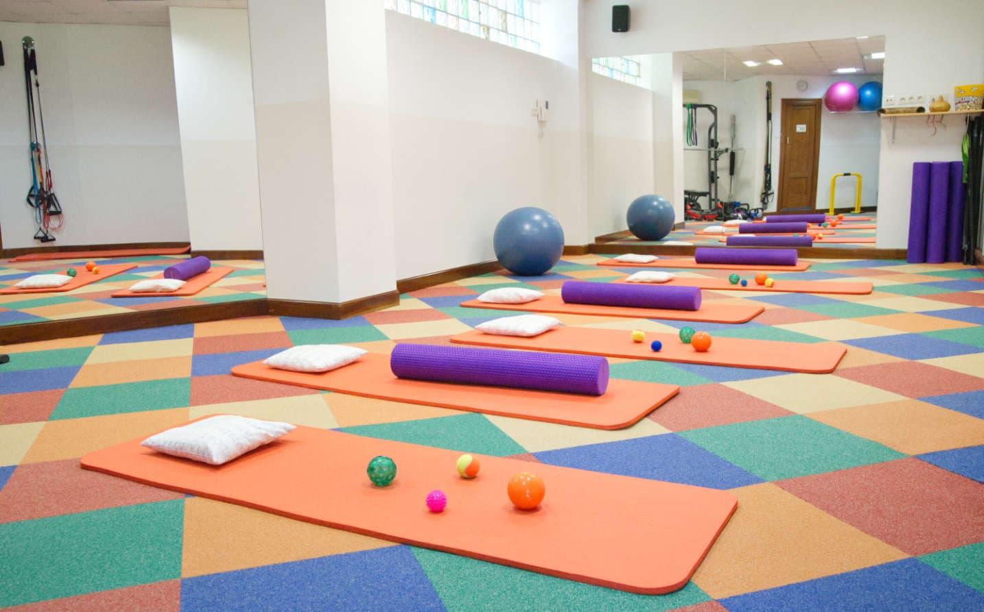 Sala de pilates y rehabilitación física